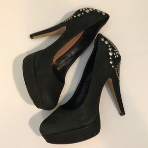 Vince Camuto Stilettos with studs on back 8 1/2